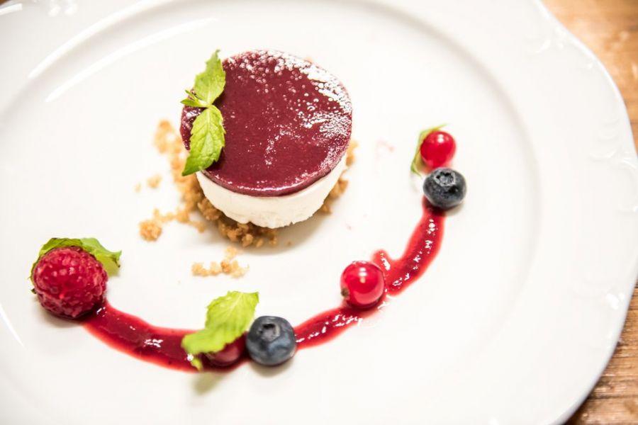 Ristoranti Perugia alta pasticceria chef Giancarlo Polito. La Locanda del Capitano Montone