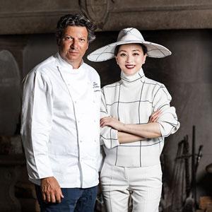 Yang Lan, vip ospiti del Capitano Giancarlo Polito. Alta cucina italiana Ristorante La Locanda del Capitano a Montone in Umbria